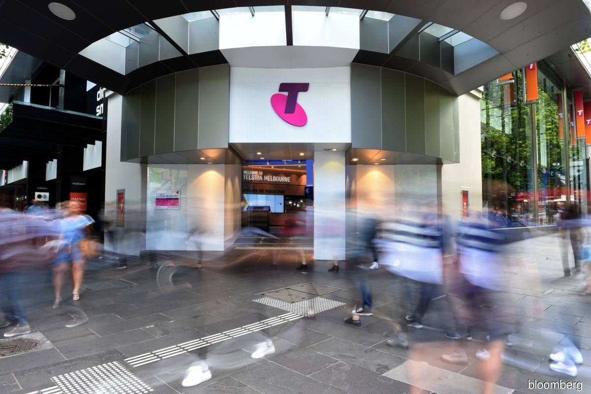 Telstra admits mis-selling phone plans to indigenous Australians