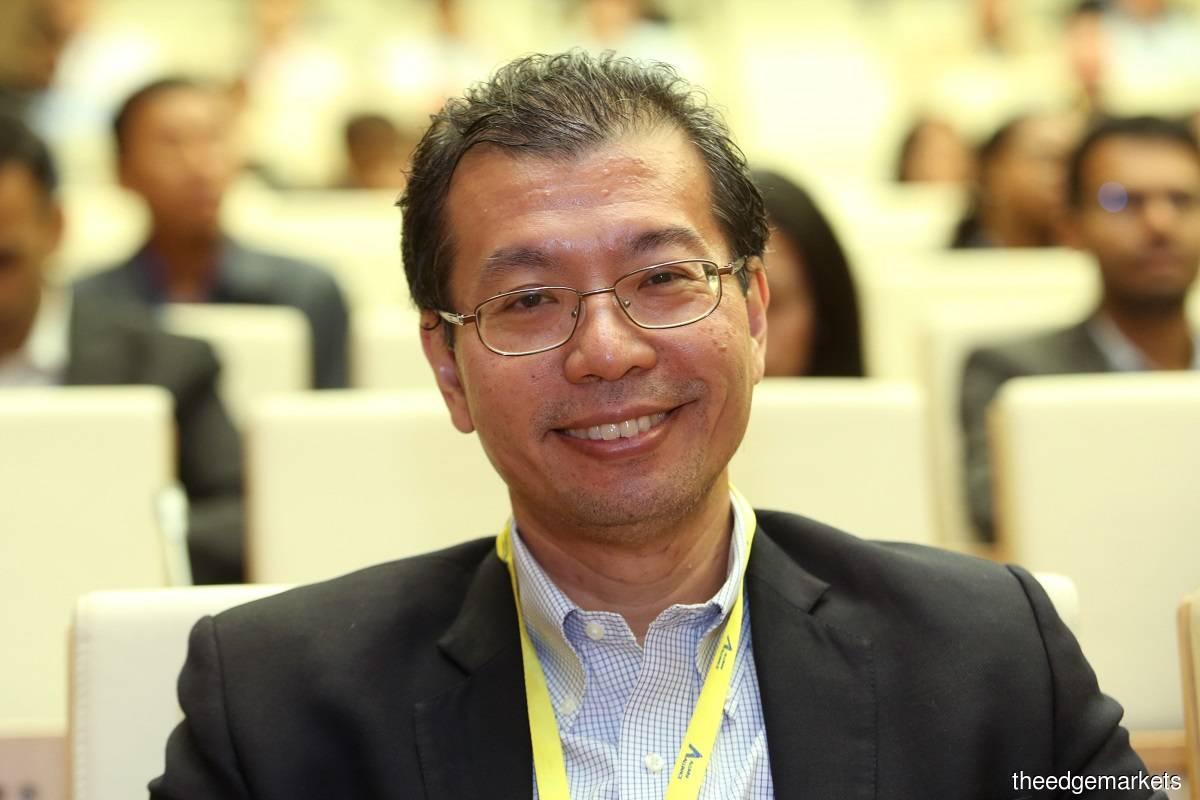 Tengku Datuk Seri Azmil Zahruddin (Photo by Sam Fong)