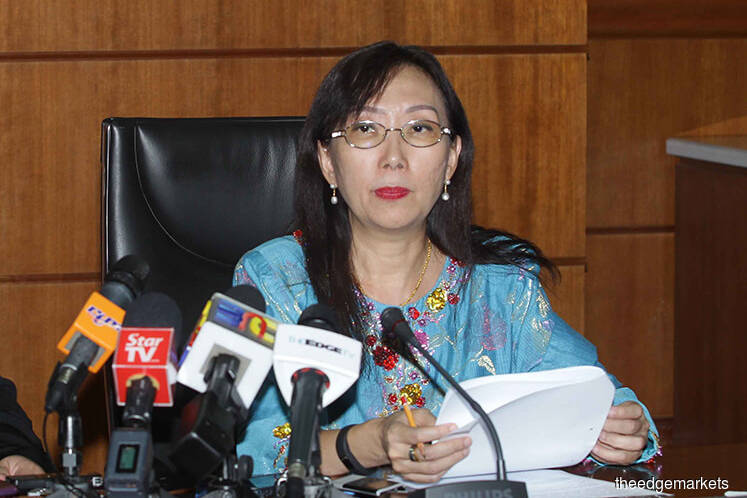 Teresa Kok favours oil palm over coconut