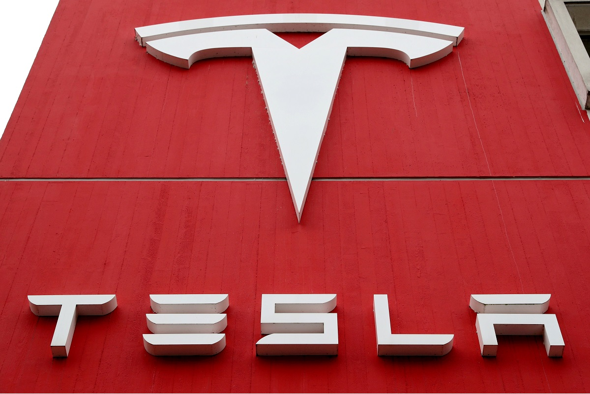 Tesla's record profit and Bitcoin gains are met with a shrug