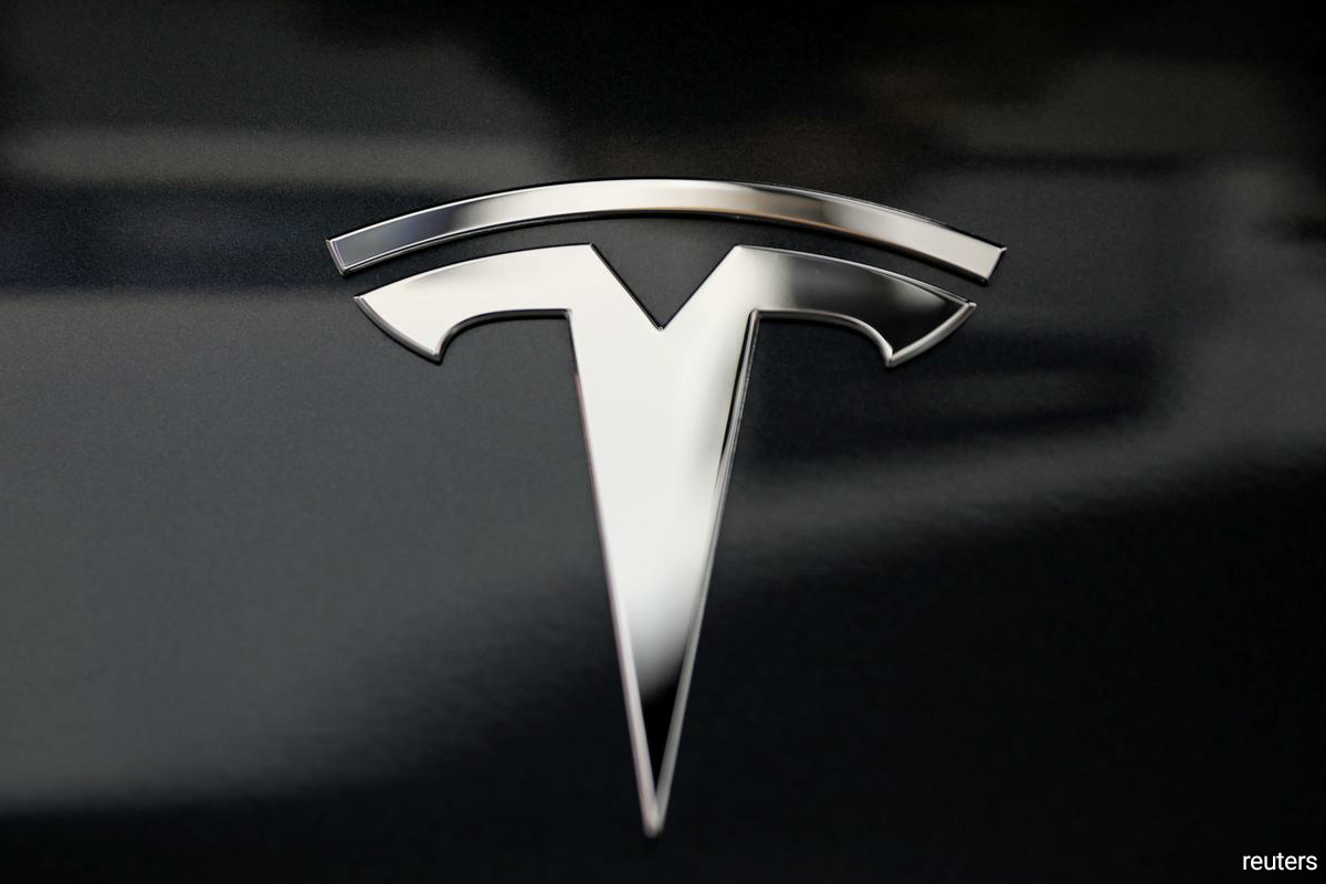 "The deal comes on the heels of Tesla's ""Battery Day"" presentation last week when Chief Executive Elon Musk shared his vision of novel, proprietary Tesla batteries, following which Tesla stock lost more than $30 billion in market value. (Photo by Reuters)"
