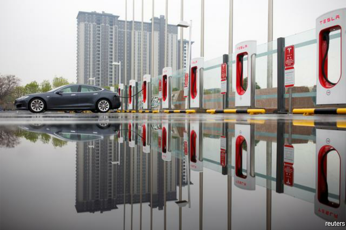 A technology roadmap by the association predicts 95% of NEV sales in 2035 will be battery electric vehicles, while hybrid vehicles will make up the rest, China-SAE president Li Jun, told the association's annual conference in Shanghai. (Photo by Reuters)