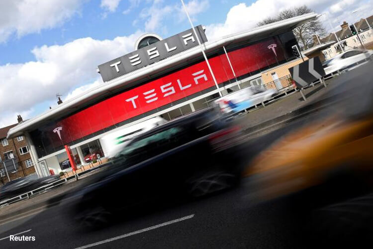 Tesla just passed GM to become top US carmaker