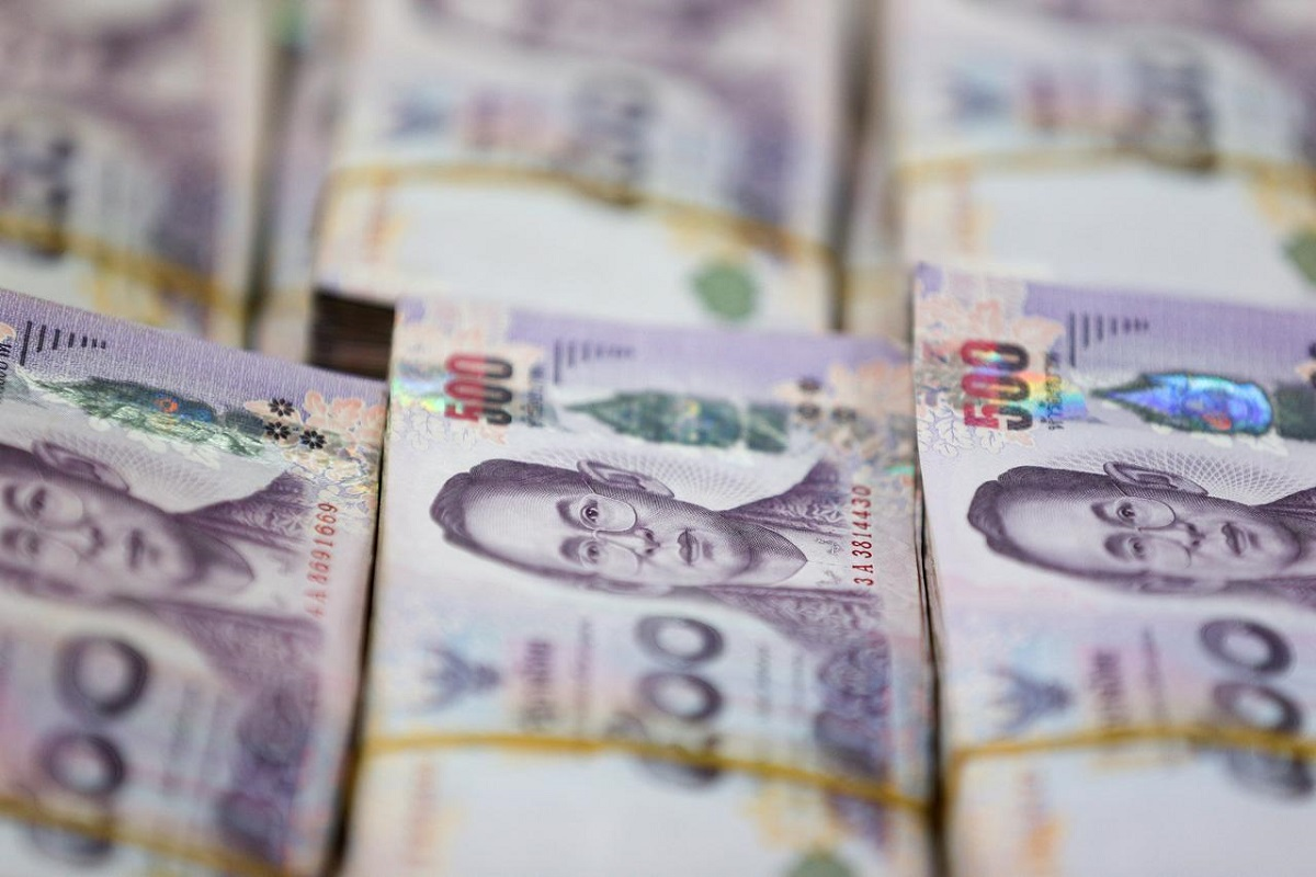 Bets for Thai rate hold aid baht as weak US dollar dominates
