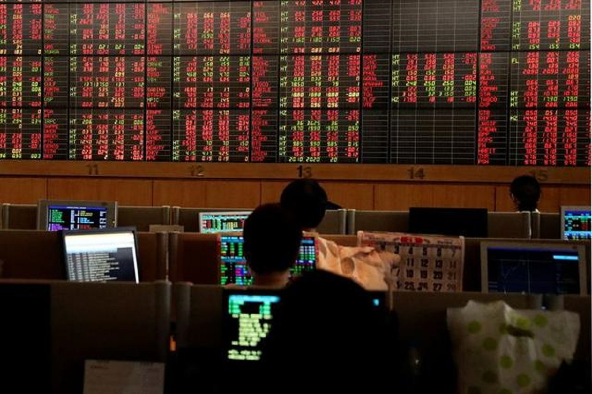 Thai, China shares surge, Asia FX up as US yields retreat