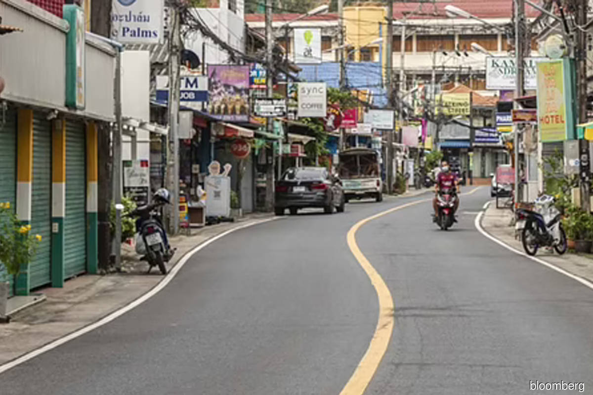 Thai streets deserted while traffic jams return in India