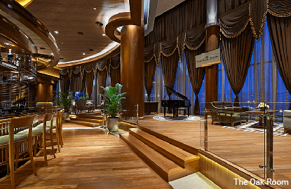 The Oak Room — Elegance and sophistication, bar none