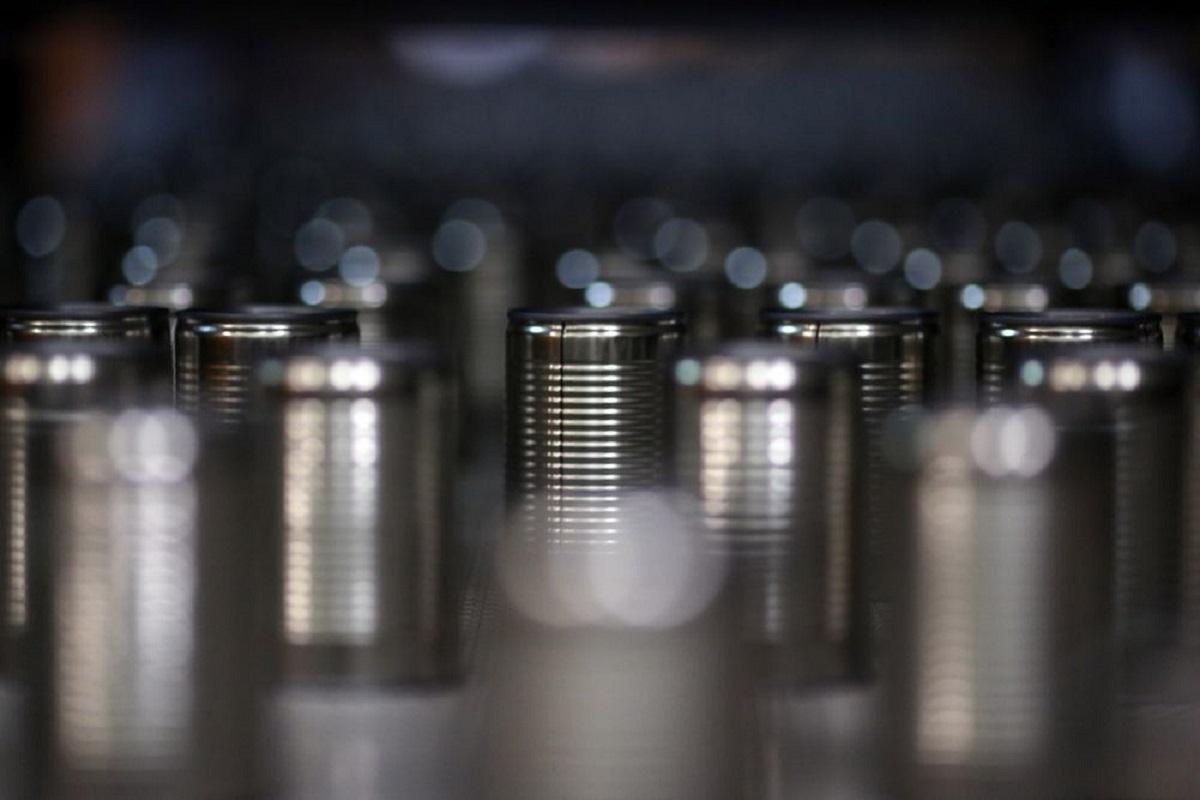 Tin hits record highs as global stocks shrink