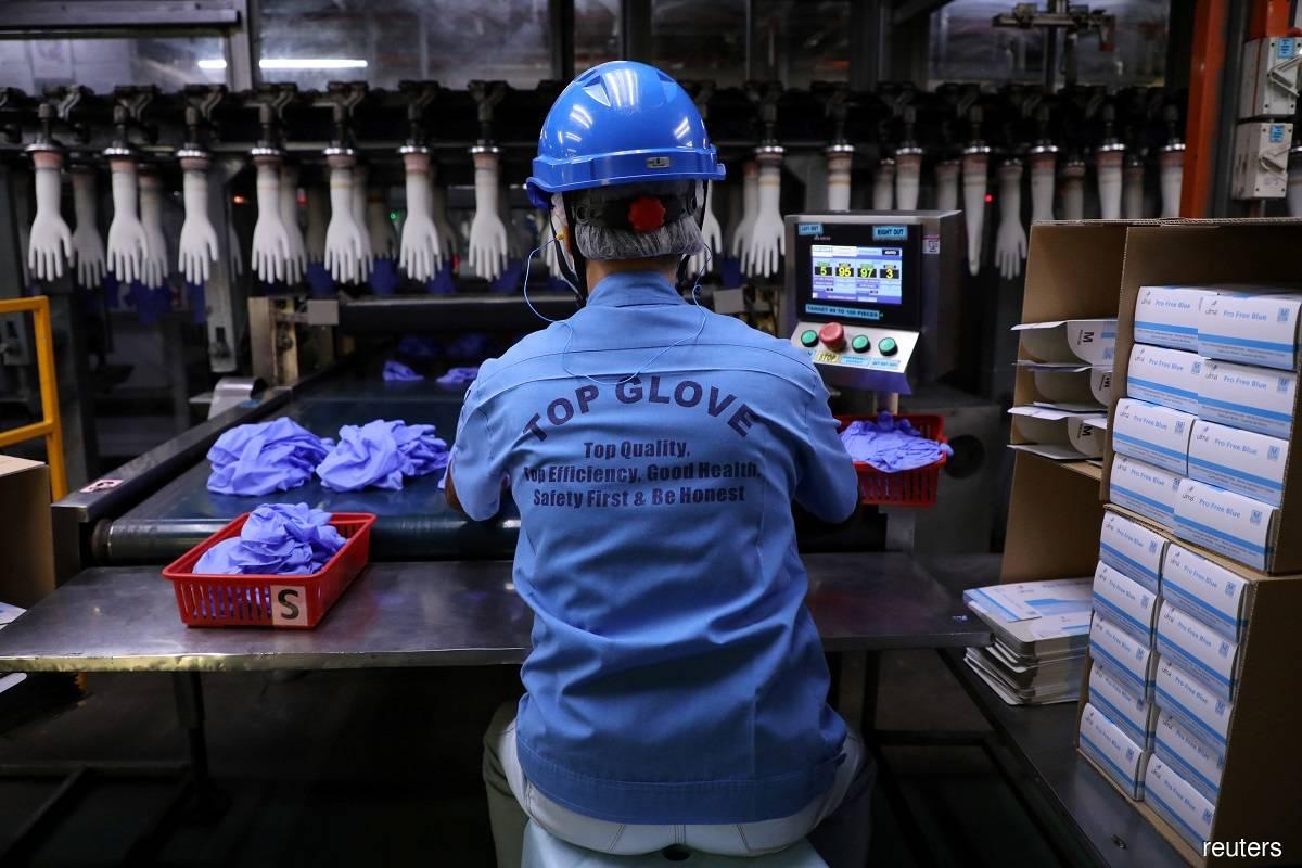 Top Glove loses ground despite record RM1.29 billion quarterly net profit