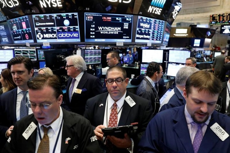 Wall St ends mostly higher as US-China spat simmers