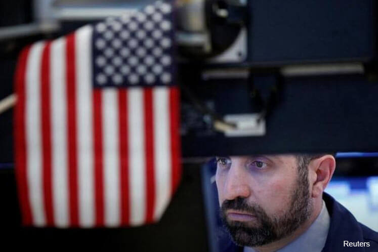Energy drags on Wall St as oil falls further; airlines slide