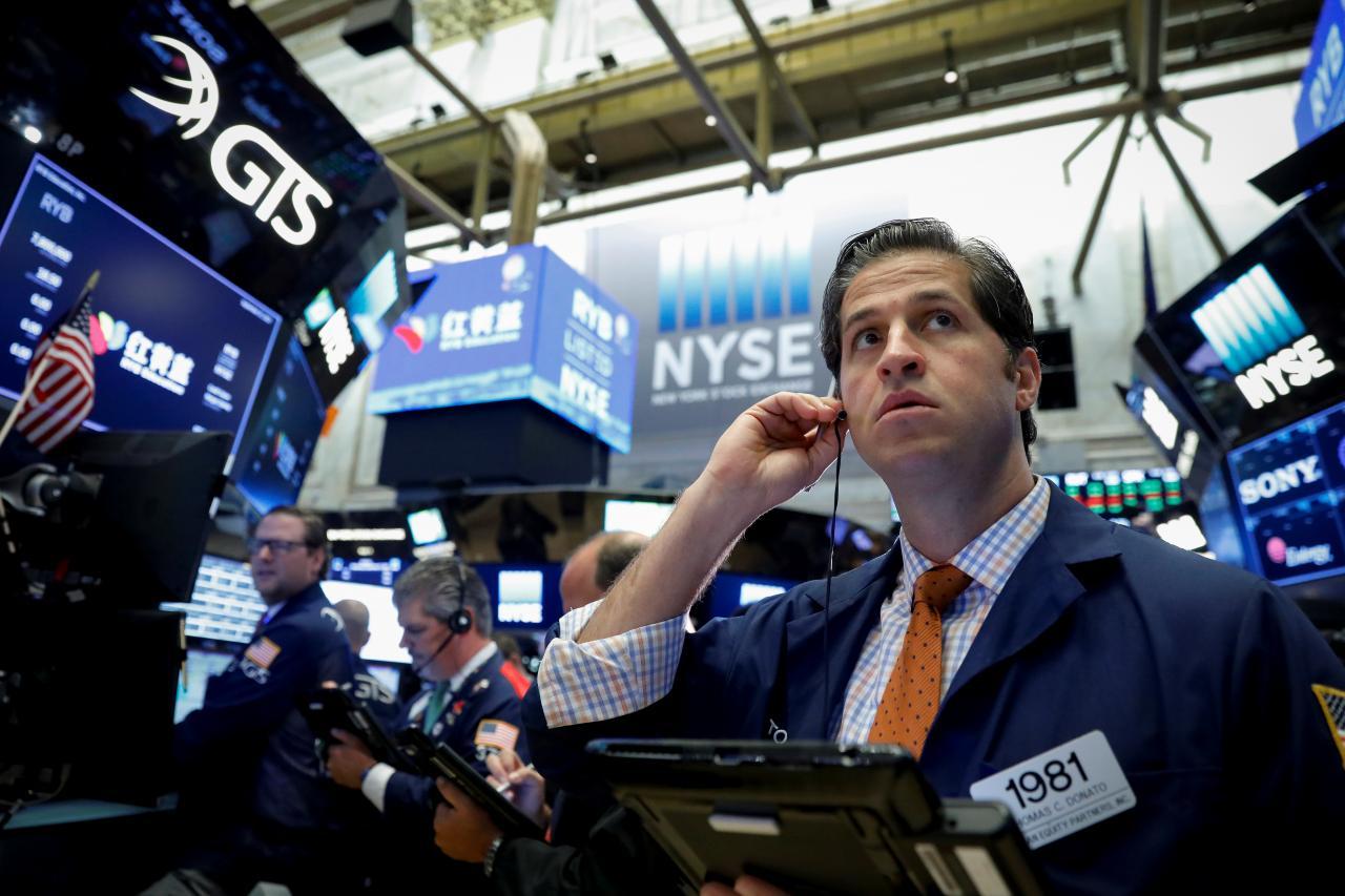 US stock futures tumble as Trump's coronavirus response disappoints