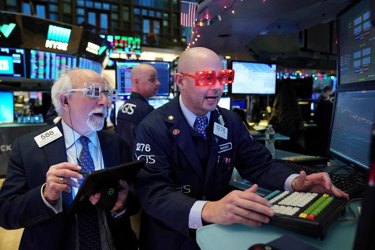 S&P 500, Nasdaq end at records, extending Wall Street rally