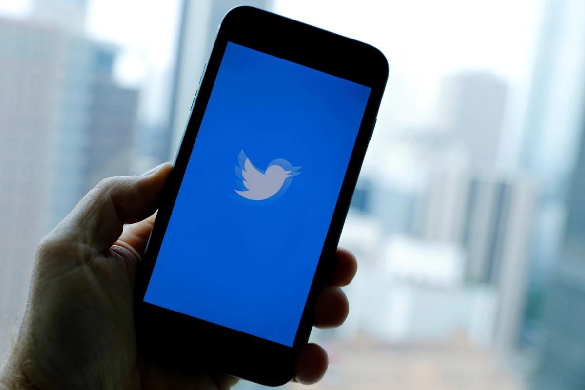 Nigerian telecoms firms suspend Twitter access