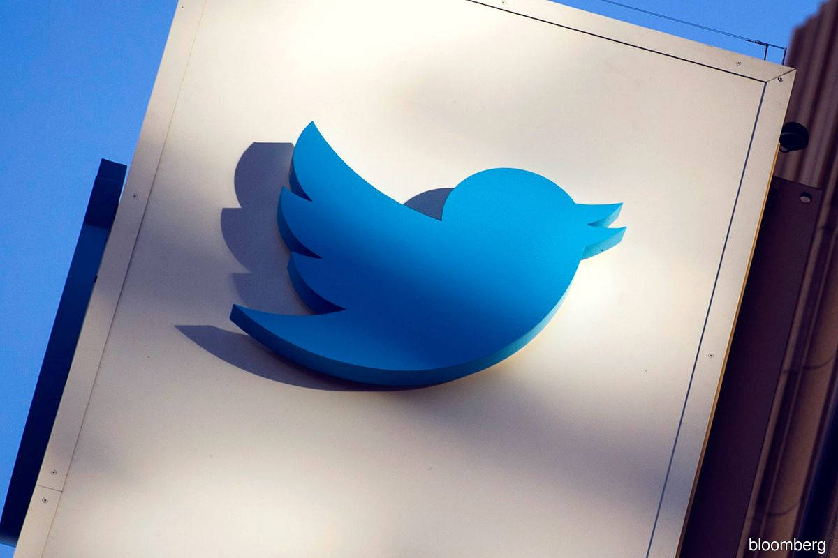 Twitter labels government officials, state-backed media