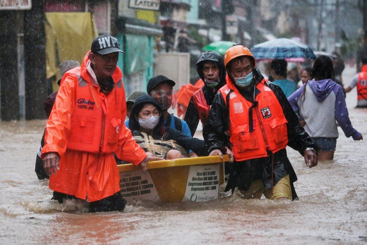 Typhoon Vamco causes major flooding in Philippine capital
