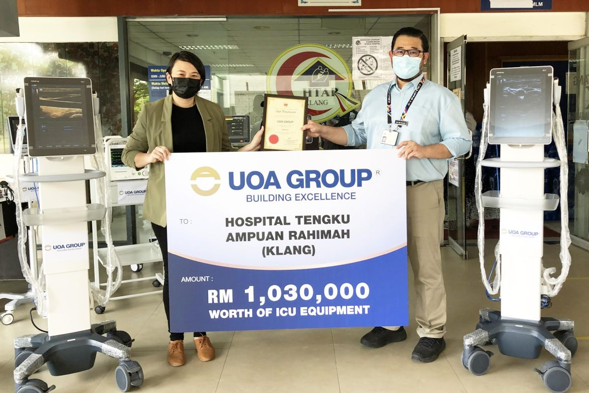 The ICU equipment donation was presented to HTAR deputy director Dr Md Razis Ramli (right) by UOA Development Bhd  manager (Property) Sam Khoo.