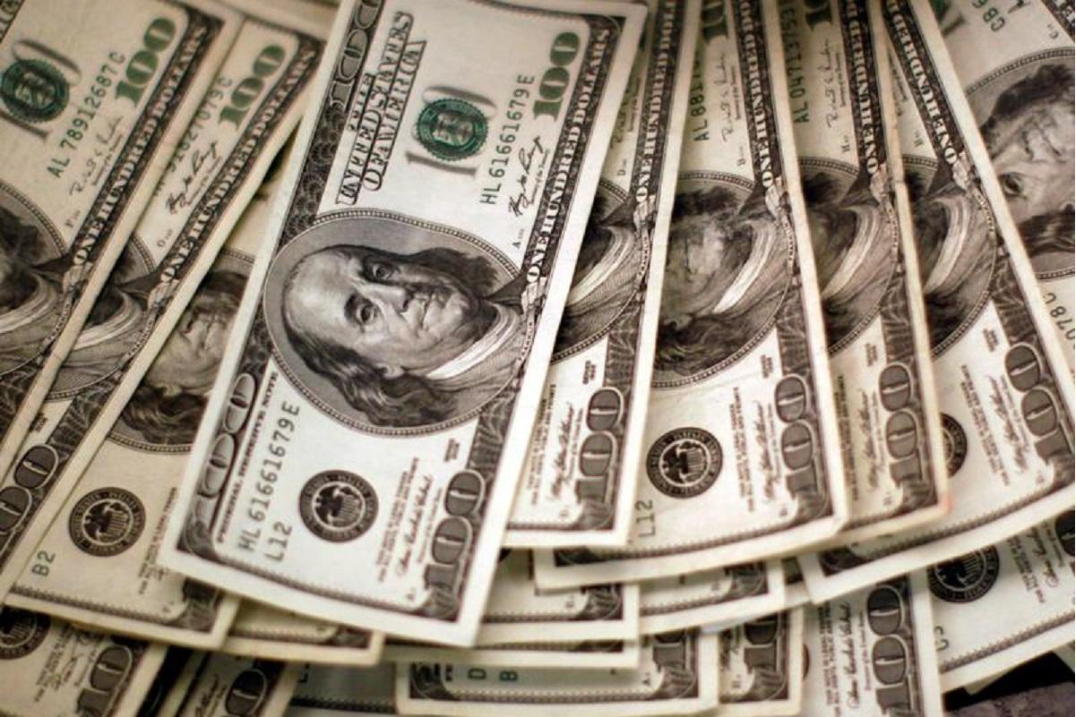 Dollar buoyed by strong US data, Bitcoin near record US$52,640