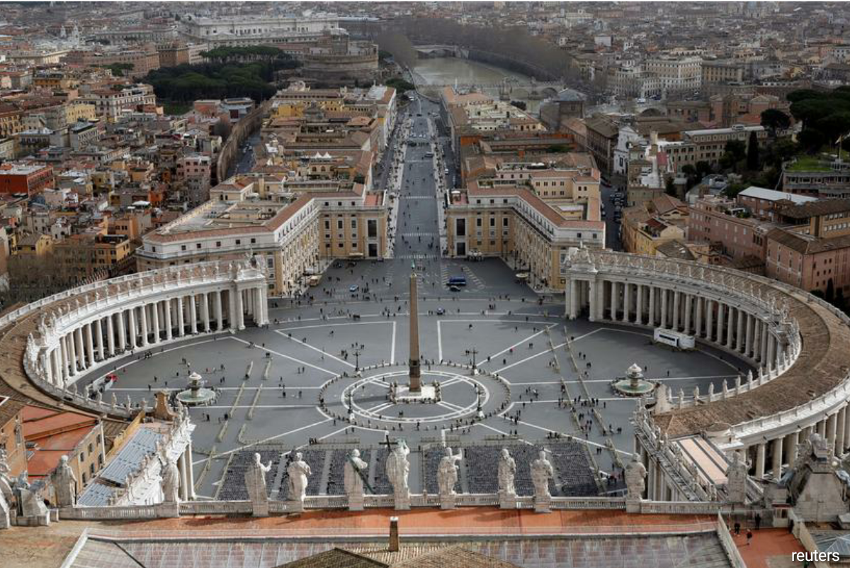 Vatican's accord with Beijing, signed two years ago, expired on Thursday. (Photo by Reuters)