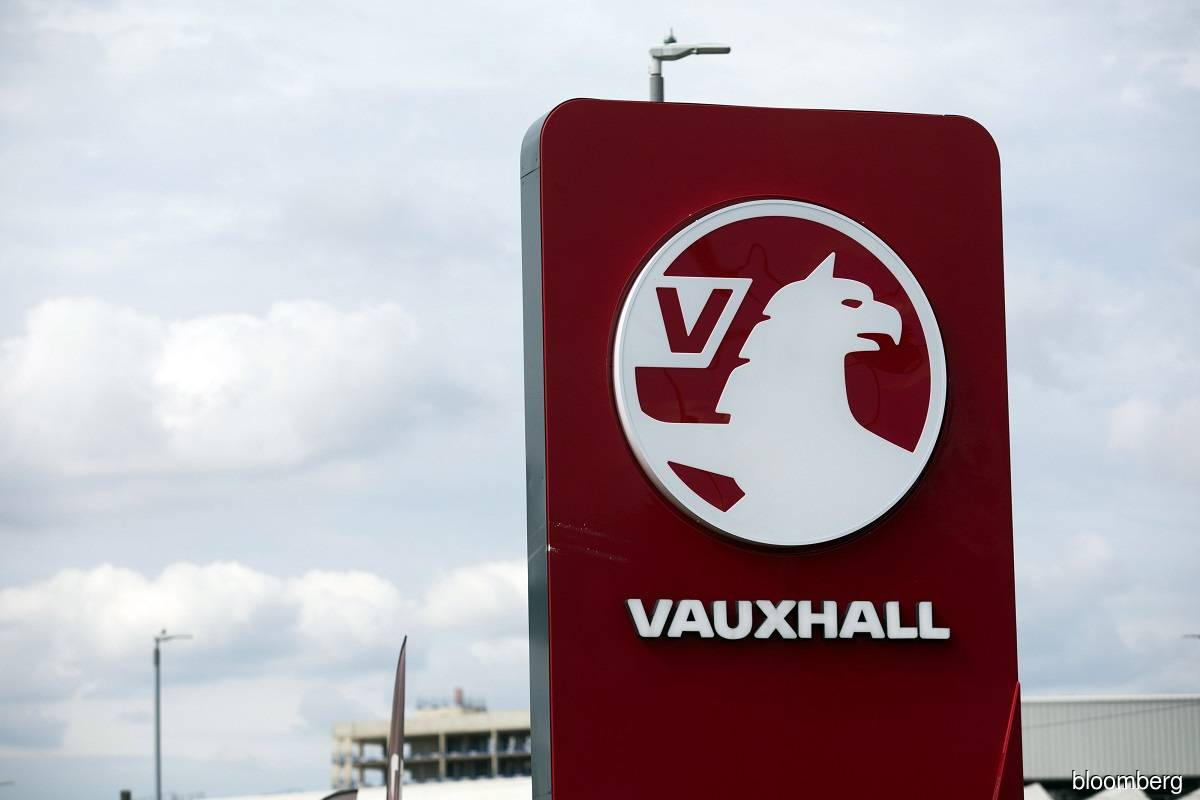 UK union calls for new car investment at PSA's Vauxhall factory after Brexit deal