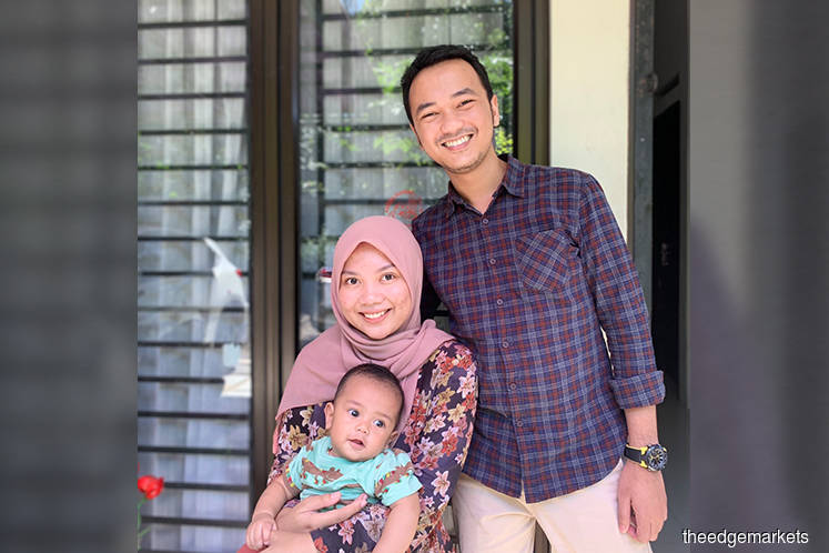 Veri Fediansyah with his family