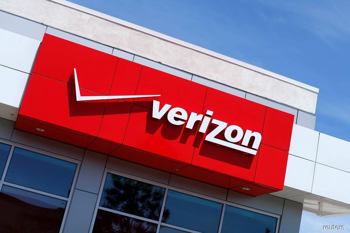 Verizon misses post-paid phone subscriber estimates