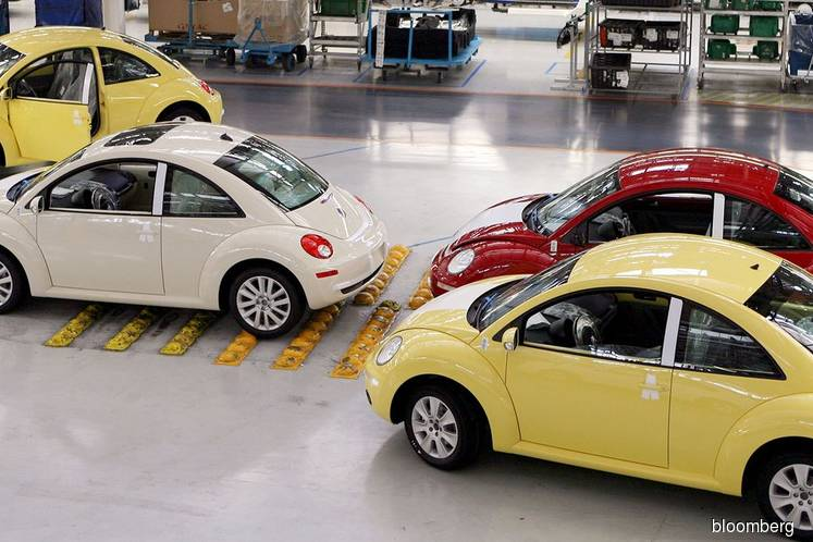 VW Says Goodbye to Beetle at Mexico Plant Making Room for SUV