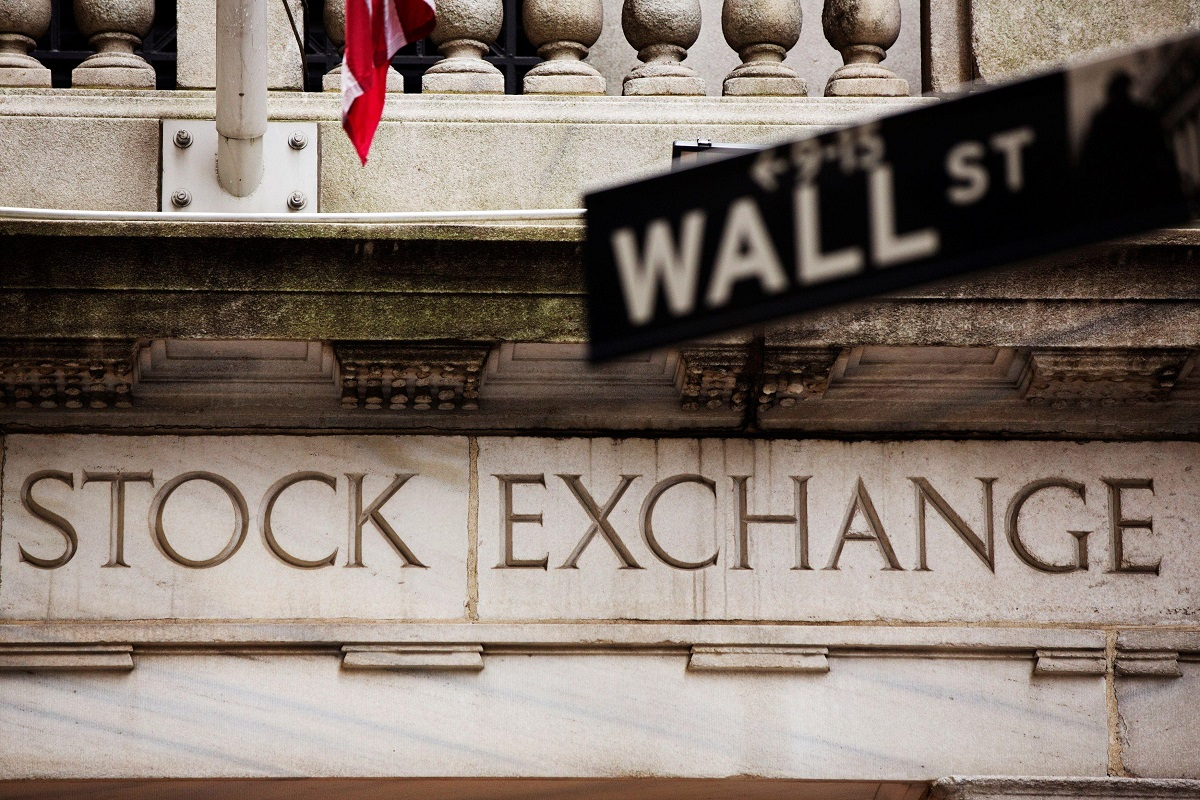 Earnings bounce, bond-yield drop help keep party going for US stocks