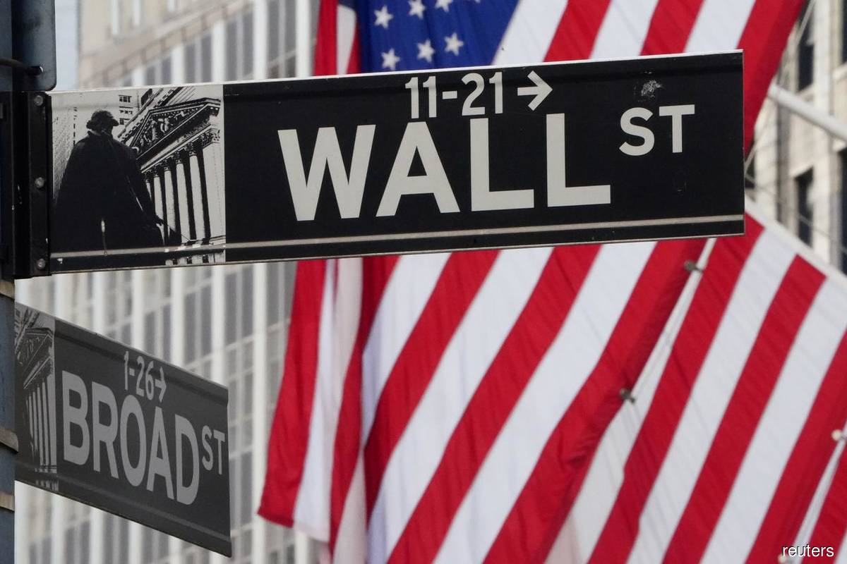 Wall Street strategists see market back-pedaling by year-end