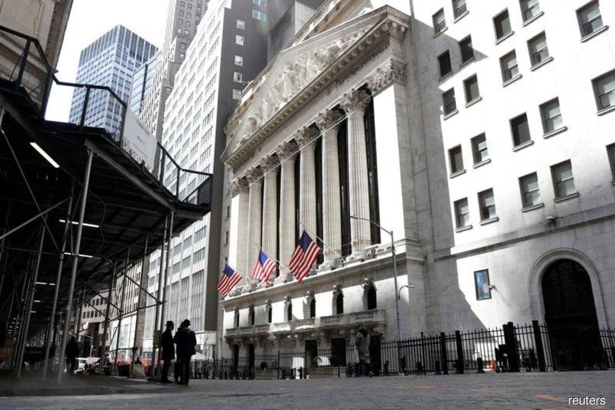 Tech stocks send Nasdaq to fresh record close, boost S&P