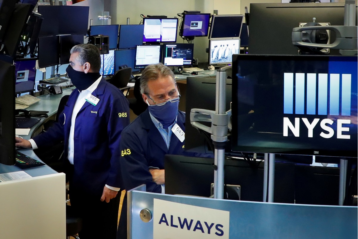 S&P 500 ends lower after US September jobs miss