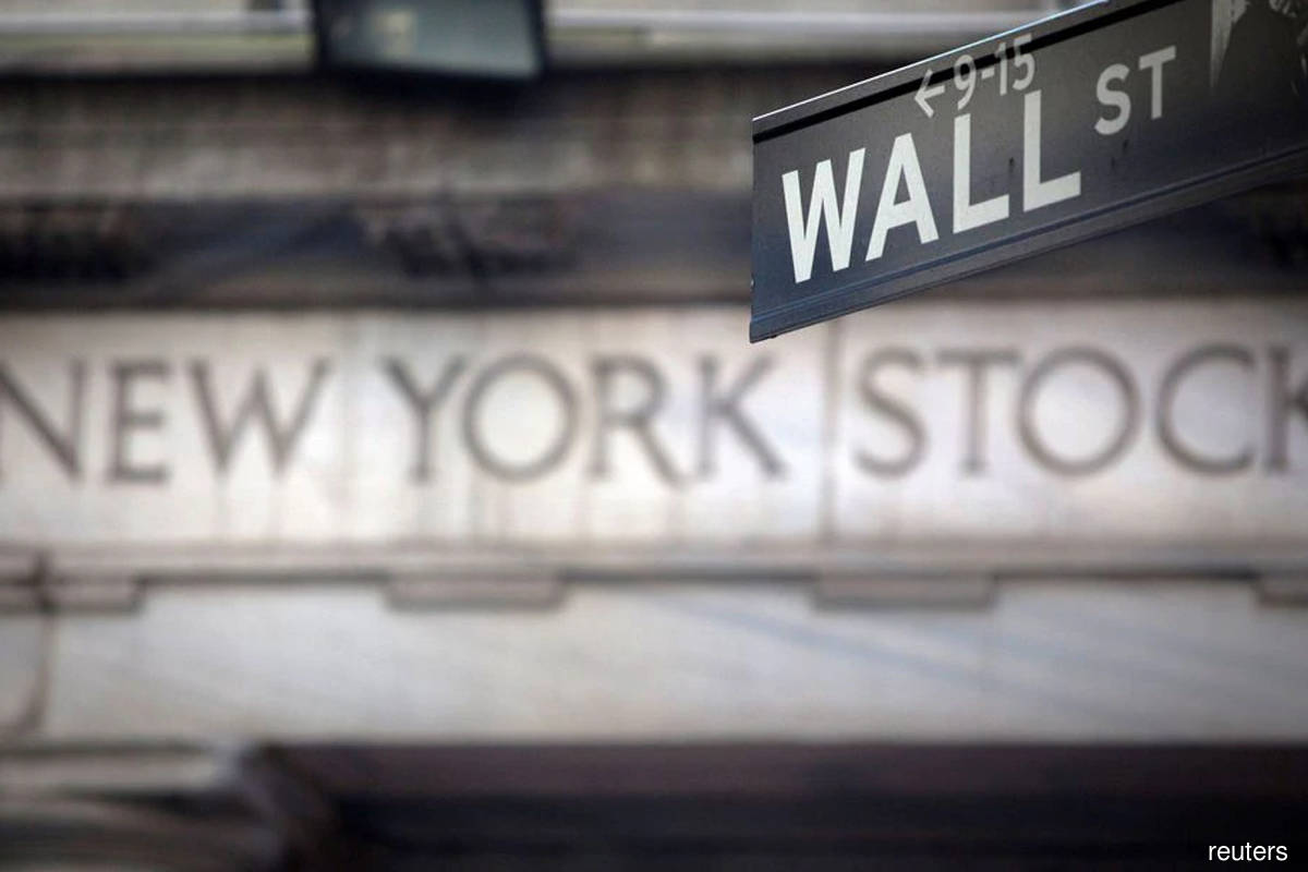 US stocks close lower on worries over recovery, corporate tax hikes
