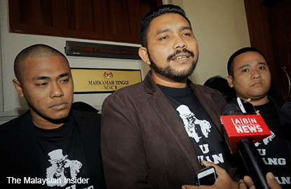 Police to probe into blogger Papagomo over foreign worker assault