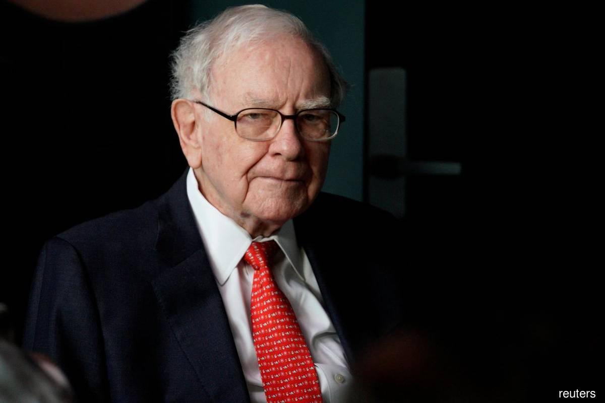 Warren Buffett sees natural gas sticking around for a long time