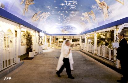 Wedding bells grow quieter in Las Vegas