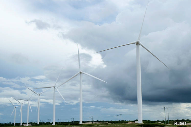 Malaysia mulling setting up wind turbines in the East Coast — Dr Mahathir