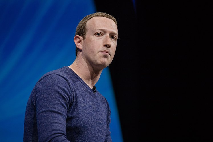 Facebook's growing ad exodus means more risks to revenue growth. (Photo by Bloomberg)