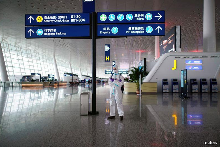 China's daily air passenger numbers up 7.9% in April vs March -aviation regulator