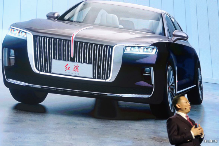 Chairman Mao's favored Red Flag carmaker eyes 1 million customers by 2030