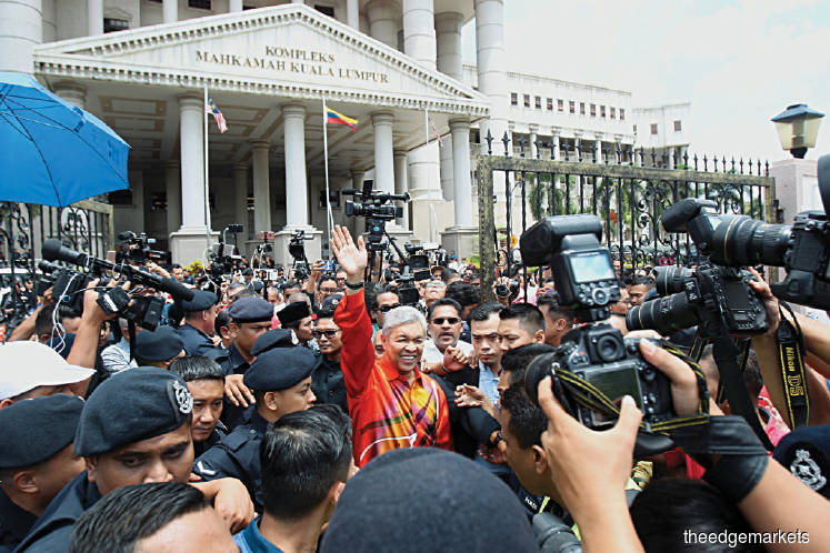 Remaking Malaysia: Umno at war ... with itself