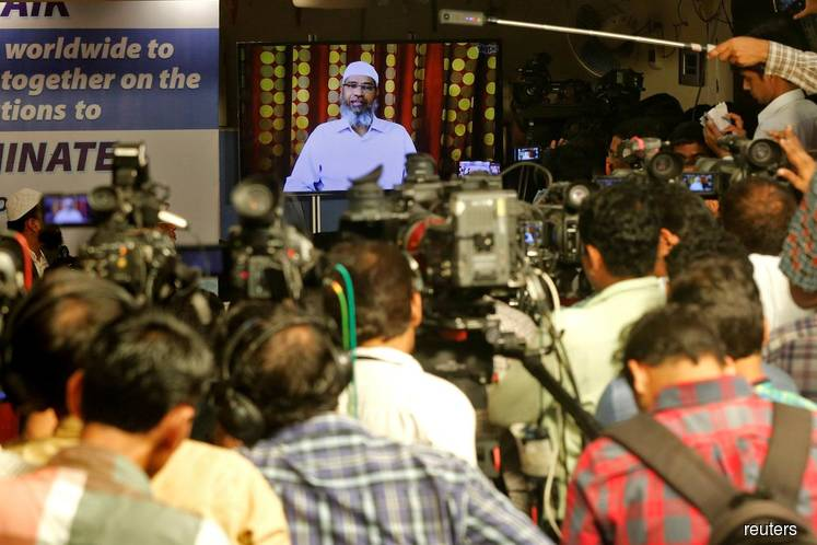 Zakir Naik apologises to Malaysians for racial remarks